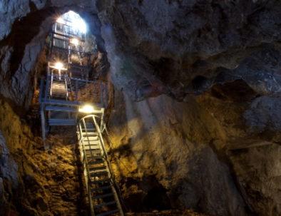 grotta monte cucco